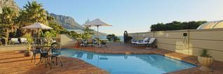 Übersetzung: Ocean View House ist ein stilvolles Gästehaus in Kapstadt.