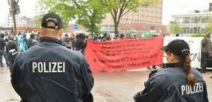 Flüchtlinge in Hamburg bleiben auf der Straße | Mittendrin | Das Nachrichtenmagazin für Hamburg-Mitte