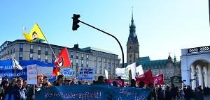 Friedlicher Protest gegen Rassismus | Mittendrin | Das Nachrichtenmagazin für Hamburg-Mitte