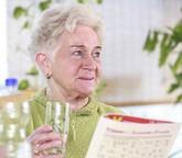 Dehydratation: Gefahr im Alter (Pharmazeutische Zeitung)