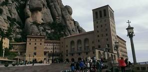 Die zwei Gesichter der Benediktiner: An Franco scheiden sich die Klöster