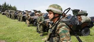 Das griechische Militär spielt Krieg - ausgerechnet vor den Flüchtlingen in Idomeni