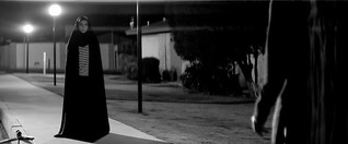 A Girl Walks Home Alone at Night - konkret online