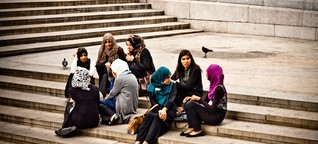 Neun Muslime über Rechtspopulismus: Weg hier? Und wenn ja, wohin? - Qantara.de