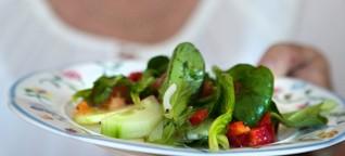 Mangelernährung im Alter: So sorgen Sie dafür, dass Opa richtig isst