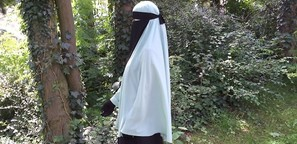 """""""Ich fühle mich mit meinem Niqab frei"""""""