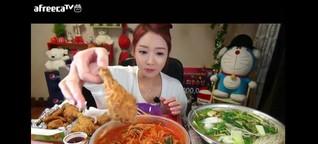 Instagram-Foodporn war gestern: Beim Meokbang mästen sich Youtuber gegen Geld