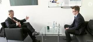 "Video ""MOMA-Reporter: Schüler geben Nachhilfe für Manager"" - Morgenmagazin"