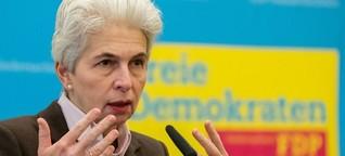"""Strack-Zimmermann: """"Bei der Frauenquote bin ich hin und her gerissen"""""""