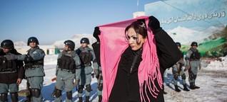 Die unbeugsamen Frauen von Kabul | DW | 30.11.2015