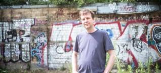 Berliner Autor Bov Bjerg ist ein Vorleseveteran