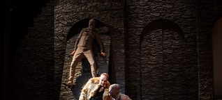 Macbeth - Am Landestheater Coburg erteilt Matthias Straub sich für seine Shakespeare-Inszenierung Aktualisierungsverbot
