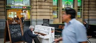 Klavier im Hauptbahnhof: Musikalische Insel im Lärm