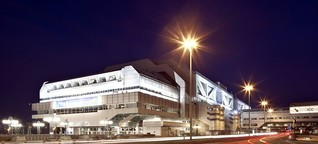Berlins Kongress-Raumschiff kommt auf den Markt