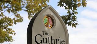 """Kirche für alle im Guthrie Center - """"Bring your own God"""""""
