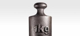 Wie viel wiegt 1 kg?