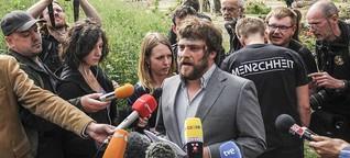 """Nach """"Holocaust-Mahnmal"""" vor Höcke-Haus: Staatsanwaltschaft ermittelt gegen Künstlergruppe"""