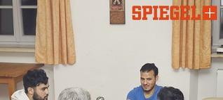Ungewöhnliche Kloster-WG: Shisha unterm Kruzifix