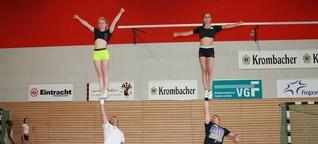 Cheerleader von Eintracht Frankfurt wollen hoch hinaus