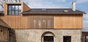 Neustart in der alten Scheune – Galerie Zink eröffnet Standort in der Oberpfalz