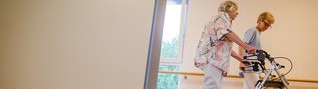 Spahn fordert Mindestlohn von 14 Euro in der Pflege