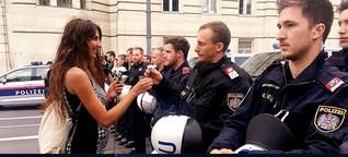 Demo gegen Polizeigewalt: Blumen für die Polizisten