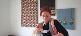Babys richtig tragen: Beraterin gibt Tipps für den Alltag
