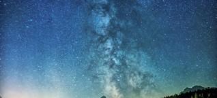 Milchstraße am Sternenhimmel: Im Sommer prächtige Allee, im Winter nur ein Wegerl