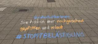 Junge Karlsruherinnen kreiden im Internet sexualisierte Belästigung an - wortwörtlich