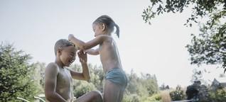"""Mit oder ohne Badehose? """"Körperbewusstsein entscheidet sich im Kleinkindalter"""""""
