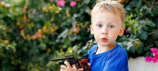 Spielzeugwaffen für Kinder: harmlos oder bedenklich?