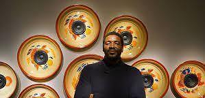 """Emeka Ogboh: """"Ich mache keine ›Music for Airports‹, sondern Musik für TXL!"""" (VAN Outernational)"""