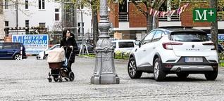 Autos umfahren Poller auf Gehweg - Anwohner empört