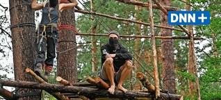 """""""Wir bleiben solange wie nötig"""" - Aktivisten besetzen Wald bei Kiestagebau Ottendorf-Okrilla"""